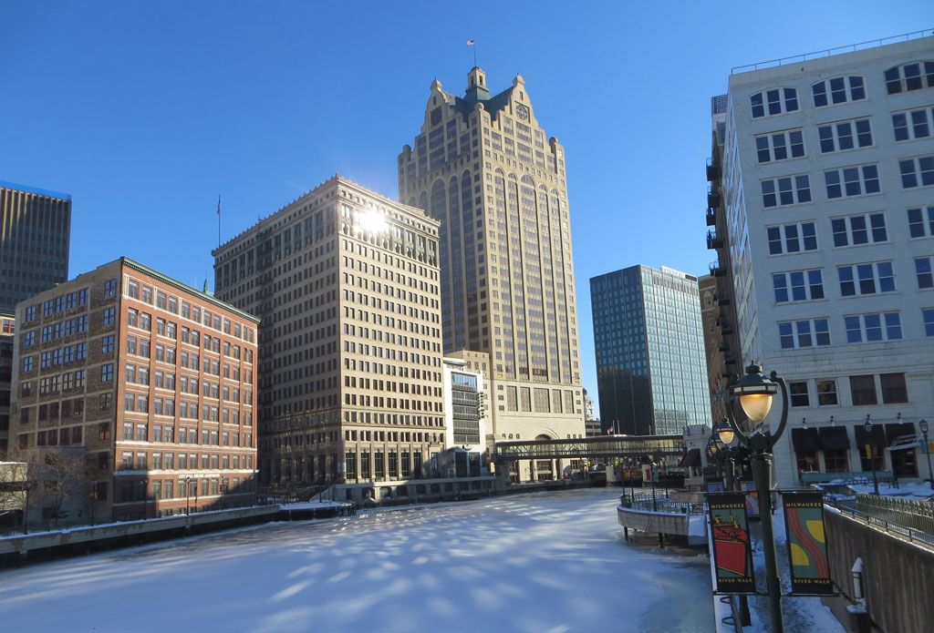 milwaukee-riverwalk